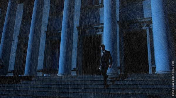 Бизнес петък -Кадър 5 - Излизане от офиса в дъждовната вечер